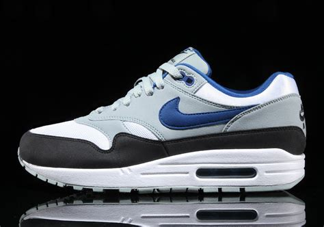 Kaos Nike Siluet 12 nike air max 1 blue ah8145 102 sneaker bar detroit