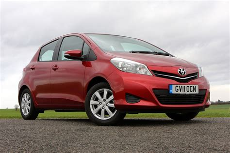 toyota hatchback toyota yaris hatchback review parkers