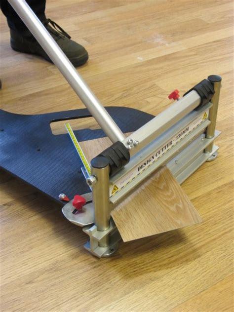Cutting Vinyl Plank Flooring by Vinyl Tile Cutter Ds 330