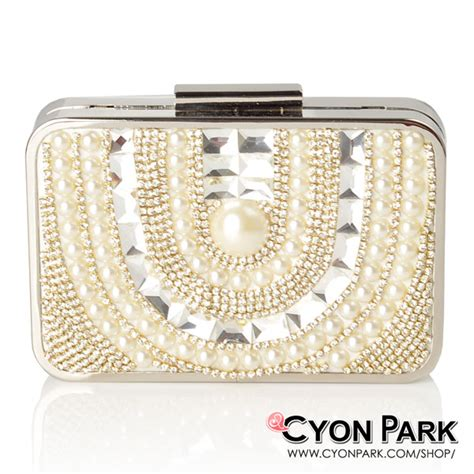 Tas Pesta Wanita Import Clutches Mutiara Hitam Gold Silver 1 craze for pearls fashion mutiara modern butik shop tas pesta belt wanita cyonpark
