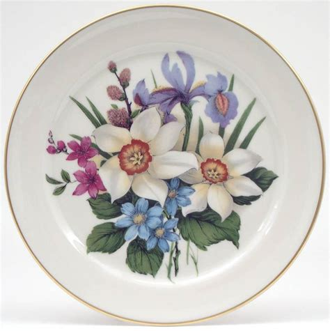 Piring Plate Florist 3 white flower plate from nature outdoors by pickard china