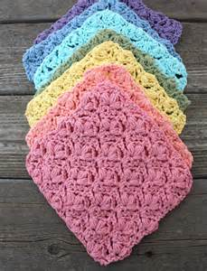 lily flowers dishcloth crochet pattern yarnspirations