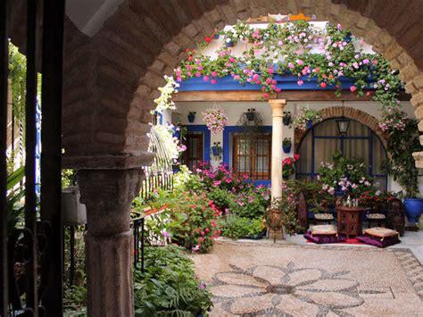 Los Patios Cordoba by Los Patios De C 243 Rdoba Ser 225 N 2 Al 15 De Mayo Patio