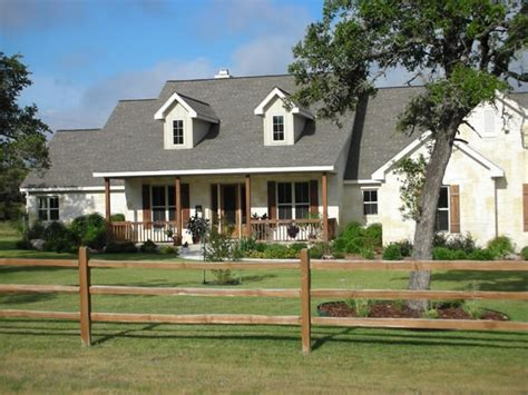 hill country style homes best 25 hill country homes ideas on pinterest stone