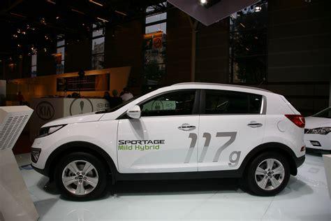 Kia Diesel Hybrid Kia Goes Green In With Sportage Diesel Hybrid Concept