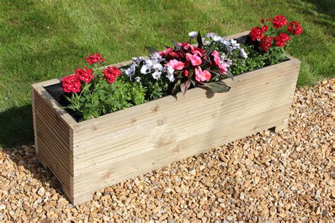 Decorate Your Garden With Best Garden Planters Carehomedecor Garden Planters