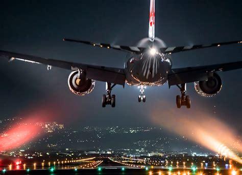 imagenes asombrosas de aviones fotos de aviones aterrizando y despegando al anochecer