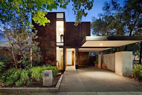 L Shaped House Plans With Garage by Casa Di Lusso Nei Sobborghi Di Melbourne In Australia