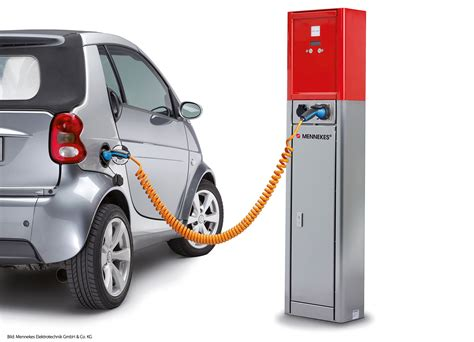 electric cars charging make more money by selling extra charge of your electric