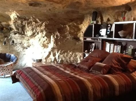 Cave Bedroom by Master Bedroom Picture Of Kokopelli Cave Bed And