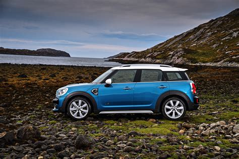 Padded Bench Seats World Premiere The New 2017 Mini Countryman