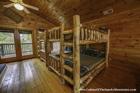 7 bedroom cabins in gatlinburg pigeon forge cabin big bear retreat 7 bedroom sleeps