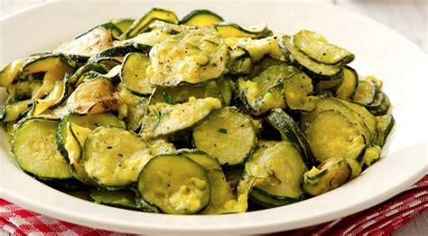 cosa cucinare con le zucchine zucchine con uova cremose le ricette con le zucchine