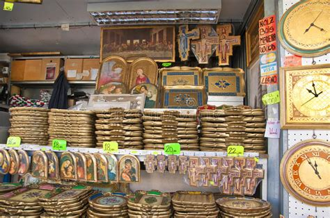 Handcraft Store - handicraft store in pisa editorial stock image image