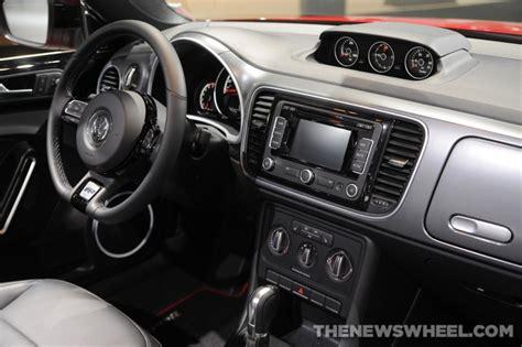 volkswagen bug 2016 interior 2016 volkswagen beetle overview the news wheel