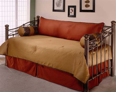 sleeper sofa bedding how to make daybed bedding for a sleeper sofa interior