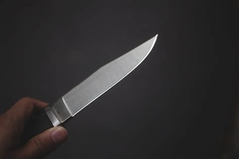 what s the best way to sharpen stainless steel knives