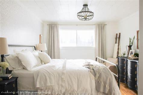 farmhouse decor bedding 15 farmhouse bedroom ideas anyone can replicate the weathered fox