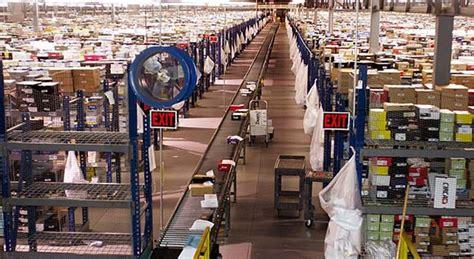 amazon jobs amazon promises 7 000 new jobs ahead of obama visit