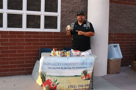 mesquite food pantry bulldog tailgate a success