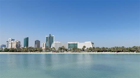 boat trip bahrain boat trips the ritz carlton bahrain