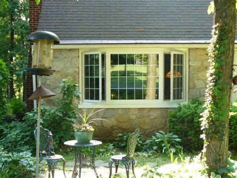bow window installation 25 best ideas about bow windows on bow window treatments bow window curtains and