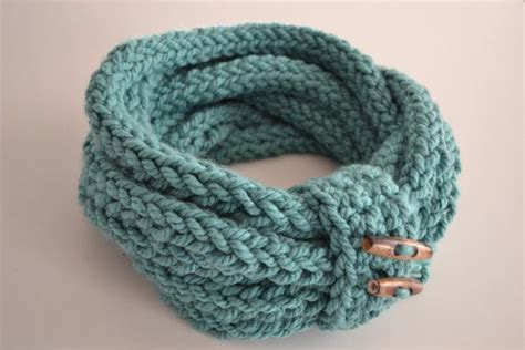 finger knit scarf handmade finger knitted infinity loop scarf h o m e