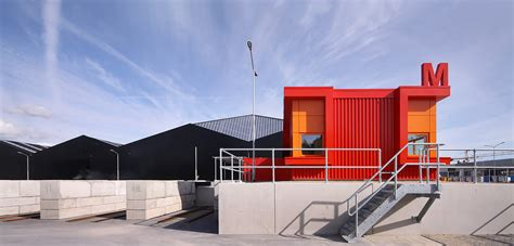 milieustraat recycling centre groosman archdaily
