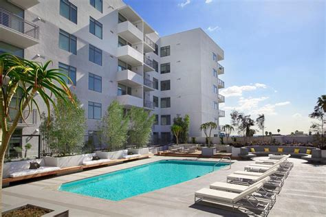 appartments in hollywood the avenue hollywood at 1619 n la brea avenue los angeles