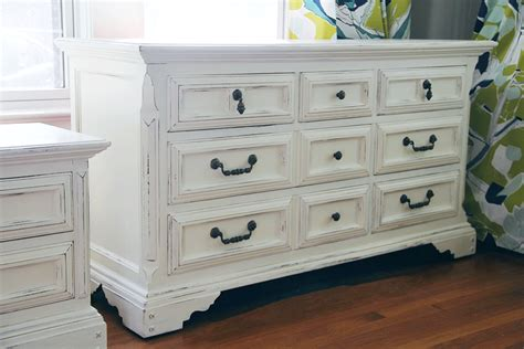 White Chalk Paint Dresser by Using Classic Colors On Timeless Pieces Sloan S