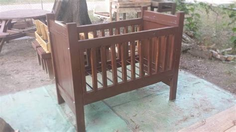 Baby Crib Diy Diy Pallet Crib Baby Cradle Infant Bed 99 Pallets