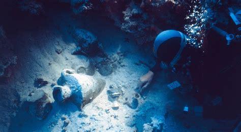 uluburun shipwreck uluburun late bronze age shipwreck excavation