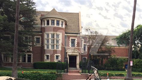 the murder house american horror story hotel brings back murder house tmz com