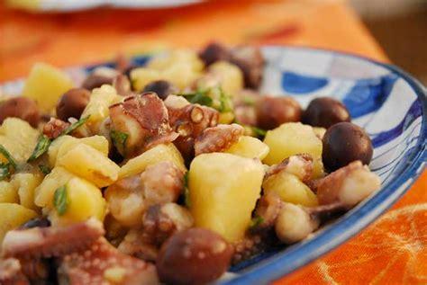 cucinare polpo con patate polpo con patate in umido o in insalata ricetta cottura