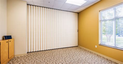 Accordion Room Divider by Soundproof Accordion Room Dividers Home Design Inspirations