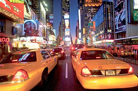 wohnzimmer nyc wandbild new york taxi am times square fototapete 4 teile