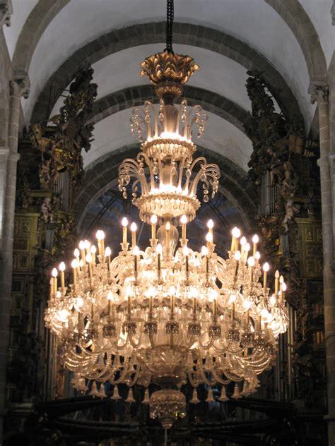 File Chandelier Santiago De Compostela Cathedral Jpg Chandelier Wiki