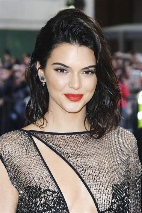 Model Rambut Hanggini by 12 Foto Evolusi Rambut Kendall Jenner Dari Culun Hingga