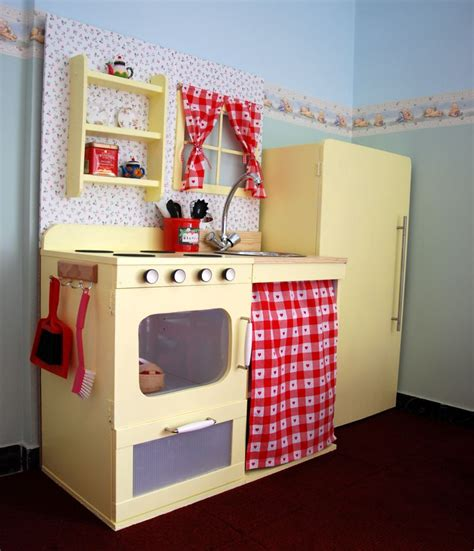 Play Kitchen by 10 Cool Diy Play Kitchen Hacks Kidsomania