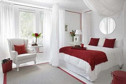 red and white bedroom notes