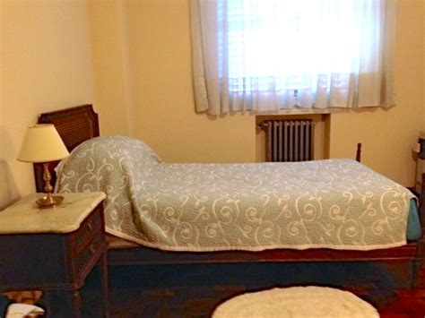 pope francis bedroom francis slept here inside cardinal bergoglio s apartment