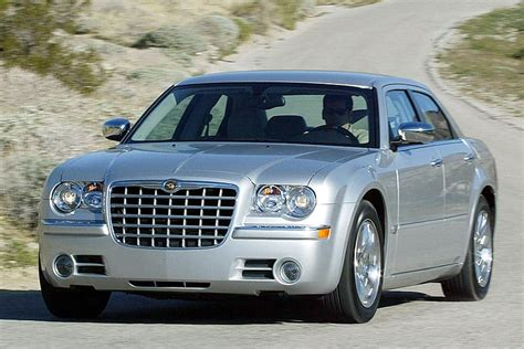 2006 chrysler 300c hemi mpg 2005 chrysler 300 hemi mpg car news and expert reviews