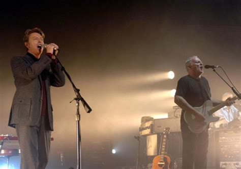 comfortably numb david bowie david gilmour and david bowie sing comfortably numb
