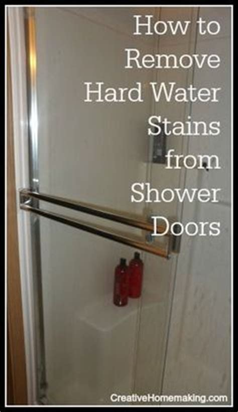 How To Remove Water Spots From Shower Doors 1000 images about clean it bathroom on