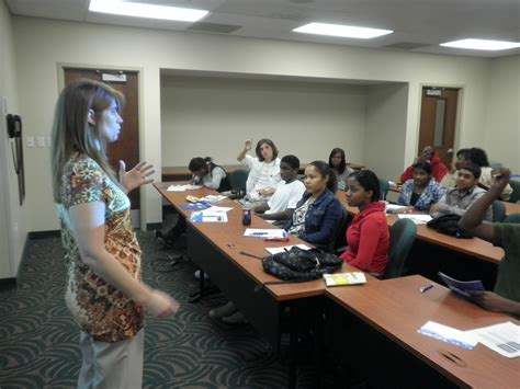 Of Florida Mba Students by Business School Hosts Stranahan High School Students Nsu