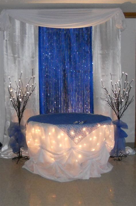 royal blue cake table by www decorativeessentials net