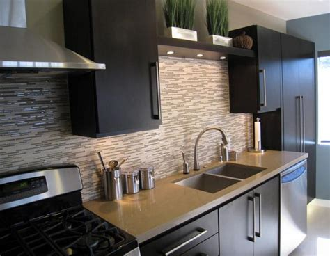 dark brown tile backsplash small kitchen interior design ide menarik desain keramik dinding dapur rancangan