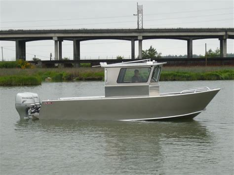 what center console boats are unsinkable any other unsinkable boats like bosgton whalers others