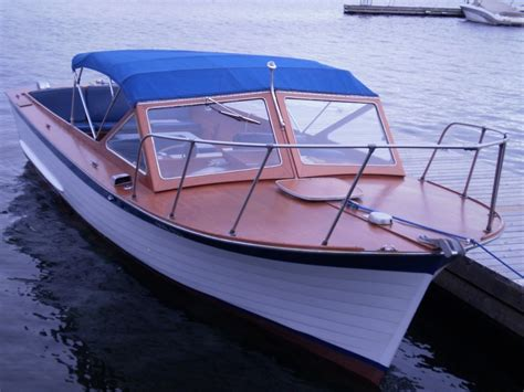 Sleeper Boats by 1969 26 Lyman Sleeper Yourclassicboat