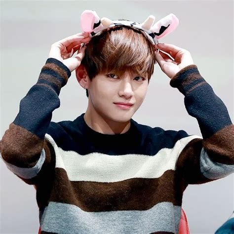 kim taehyung heart 1000 images about 김태형 kim taehyung v on pinterest